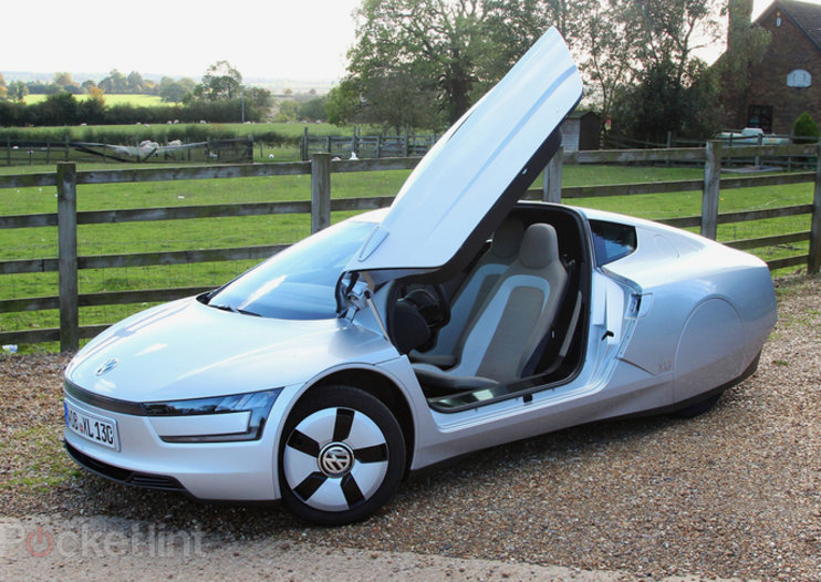 VW delivers XL1, world's most fuel-efficient diesel-electric hybrid car with 313mpg range