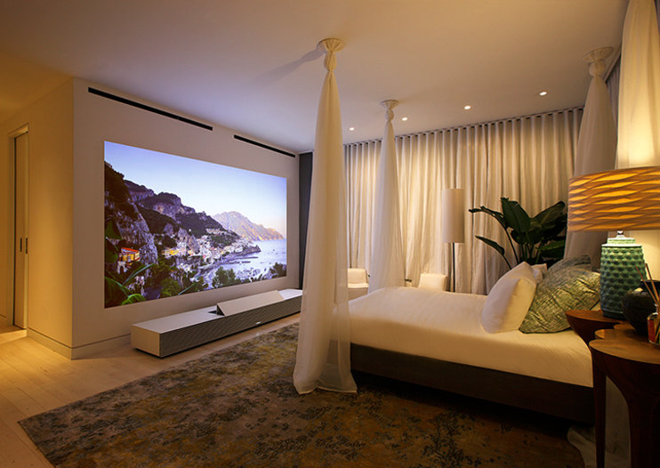 Sony 147-inch $50k 4K Ultra Short Throw projector coming to UK this summer