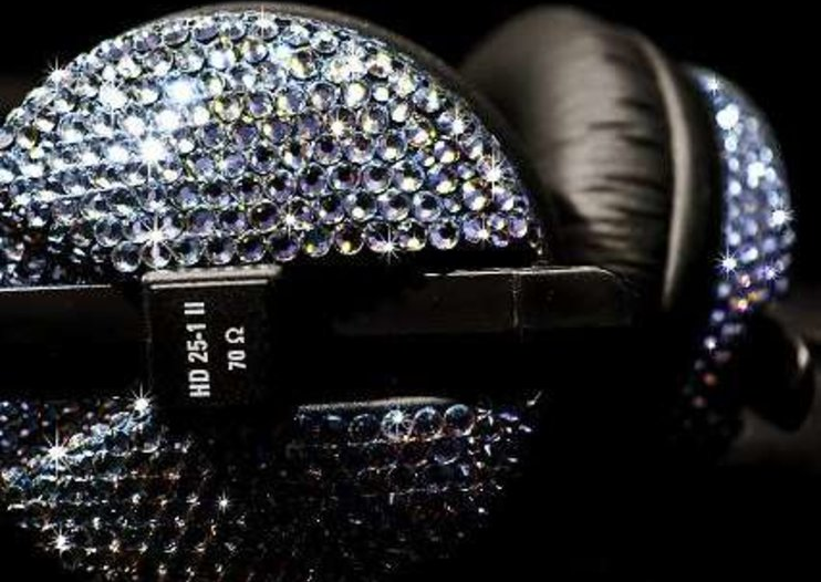 CrystalRoc blings up Sennheiser headphones