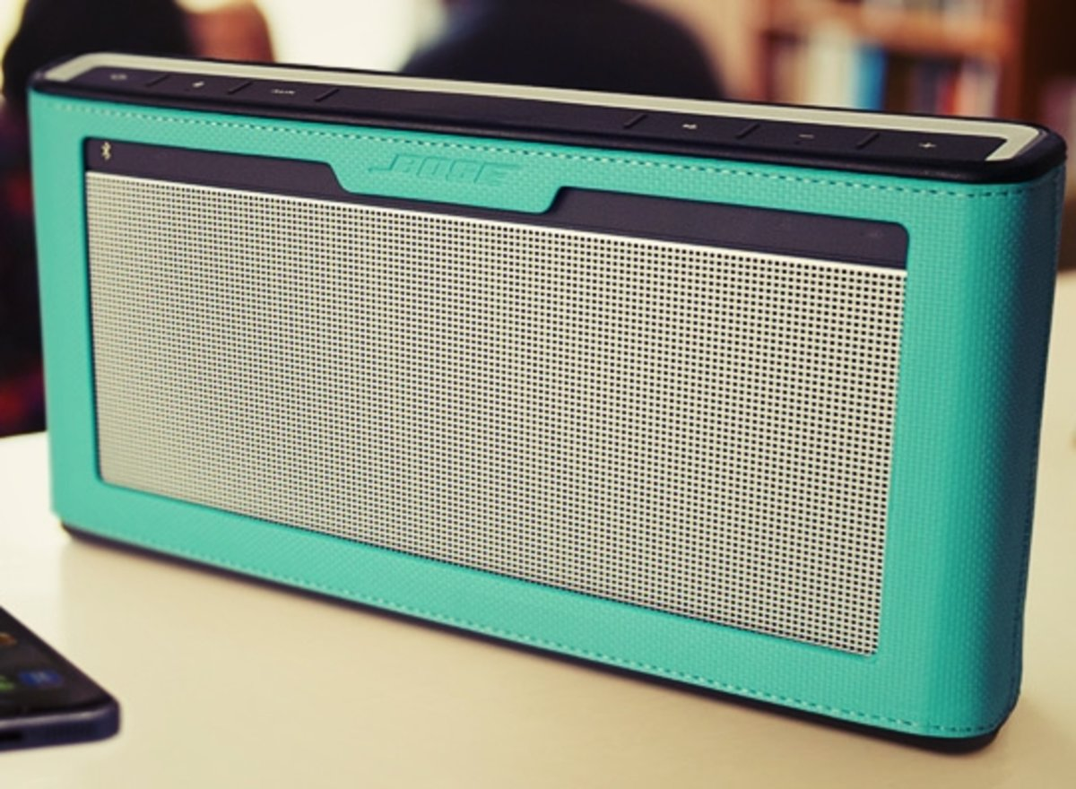 bose mini soundlink 3. bose soundlink iii speaker for £260 offers bluetooth connectivity and colourful scratch-proof cases - pocket-lint mini soundlink 3