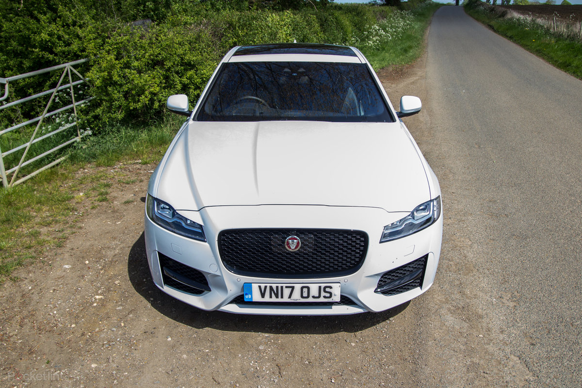 jaguar xe review prices specs and 0 60 time evo autos post. Black Bedroom Furniture Sets. Home Design Ideas