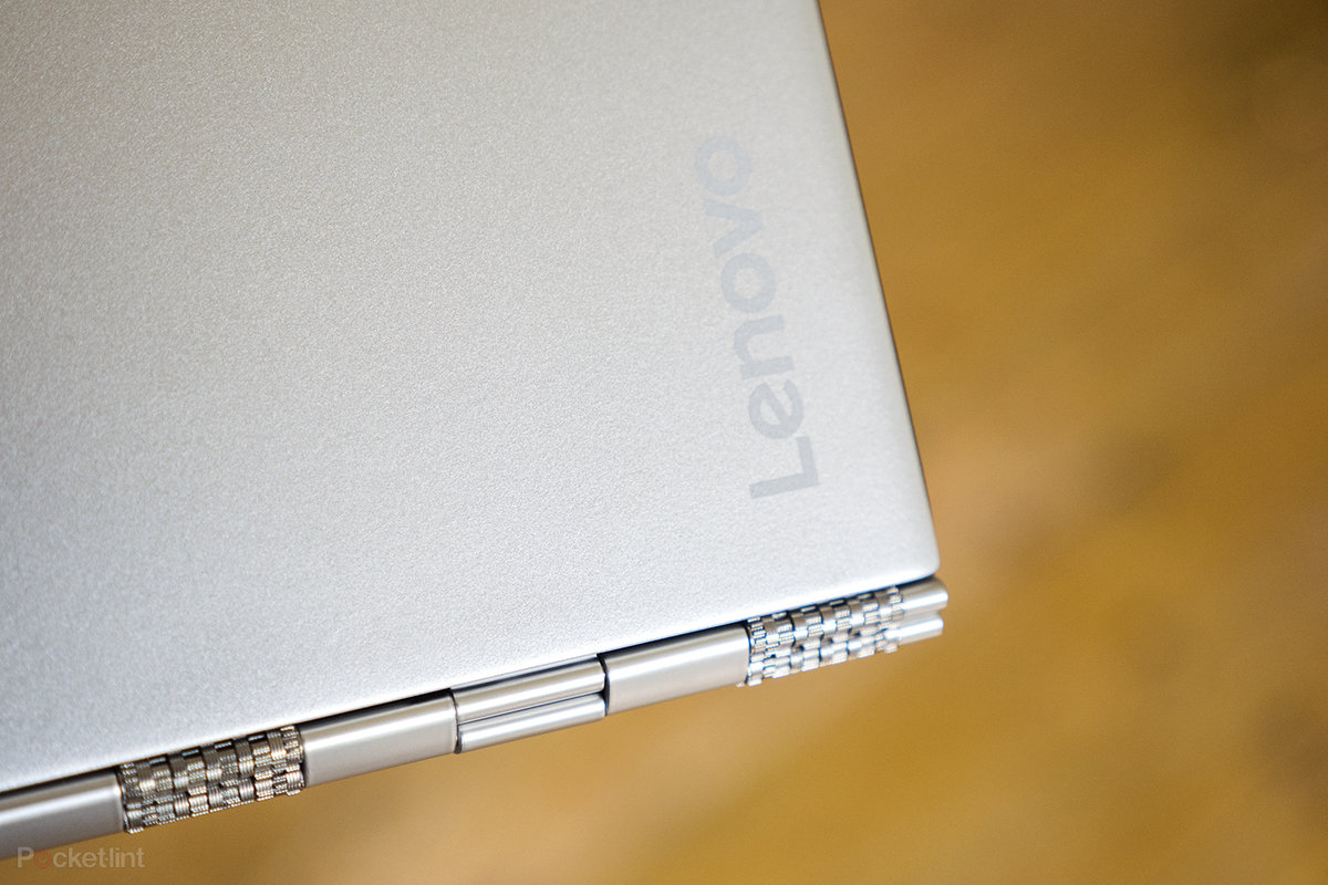 Lenovo Yoga 900S review: Strike a pose