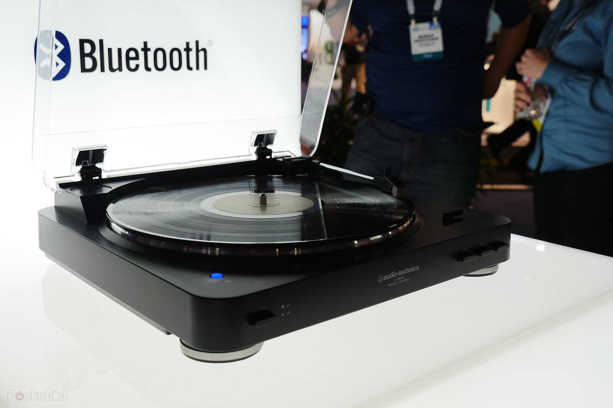 Vinyl Fan Audio Technica At Lp60bt Bluetooth Turntable Offers Cool Phono Cartridge Wiring Without The Wires Pocket Lint