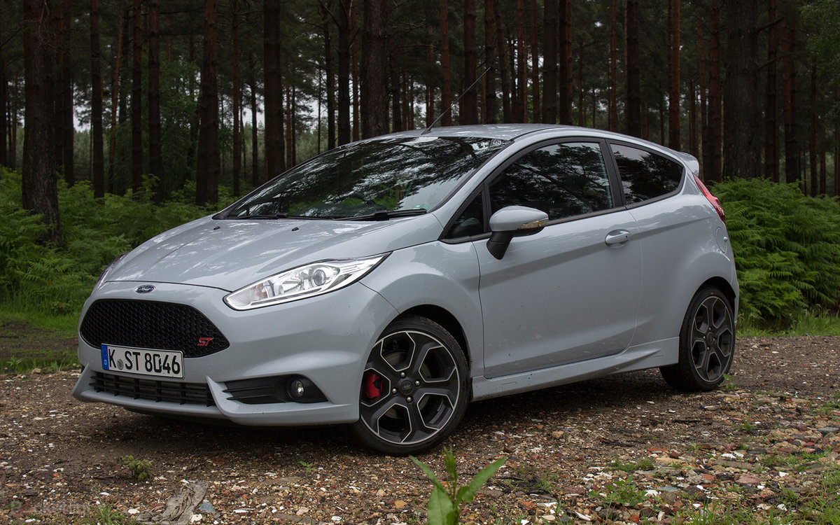 Ford fiesta st200 first drive irresistible overboost fun pocket lint