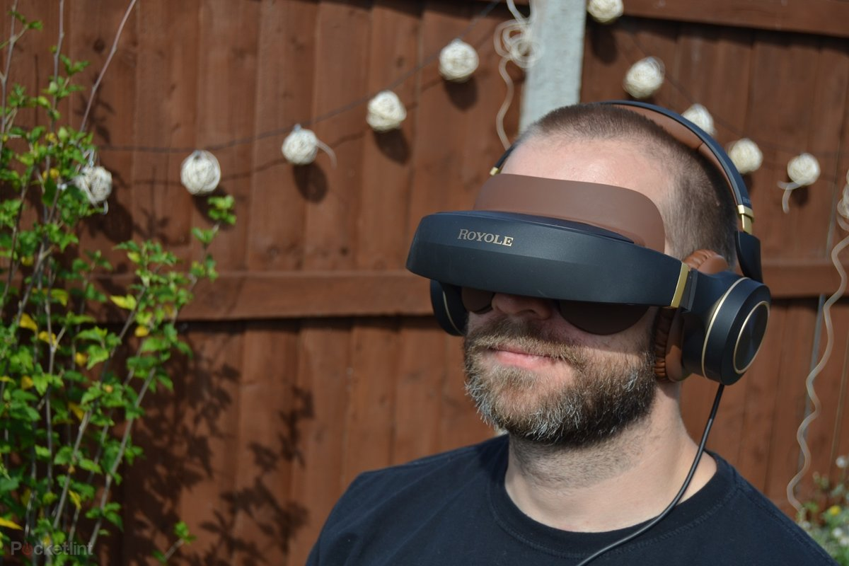 Royole Moon review: The 3D 'Virtual Cinema' experience, minus t