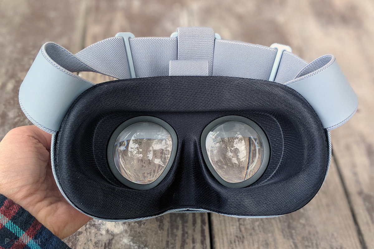 Google Daydream View (2017) review: New looks and lenses, but n