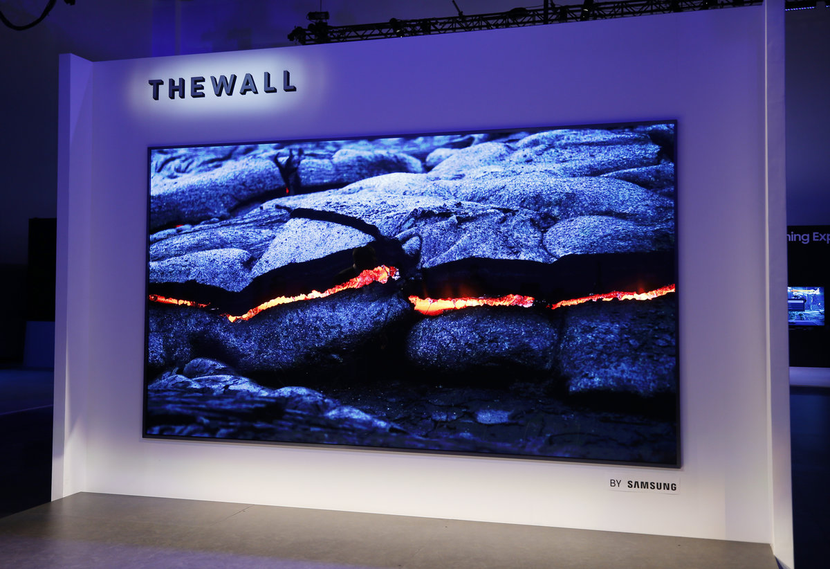 143244 tv news samsung the wall image1 vwxi1ejais - CES 2018