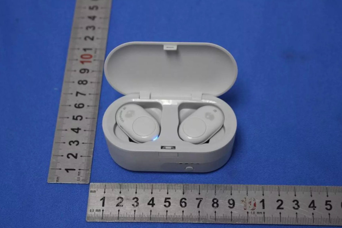 07d6522a8f2 This is what Skullcandy's unannounced wireless earbuds look like