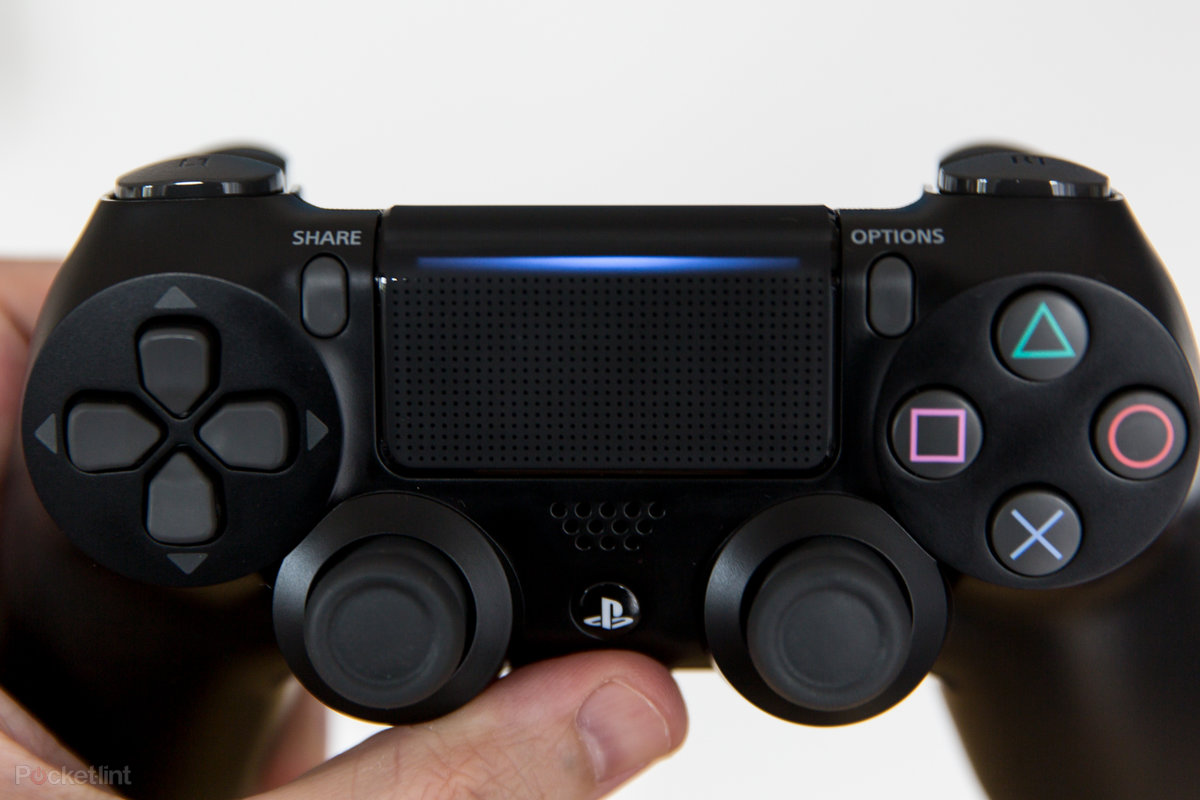 PS5 controller listed on PlayStation France website, will be compatible with PS4