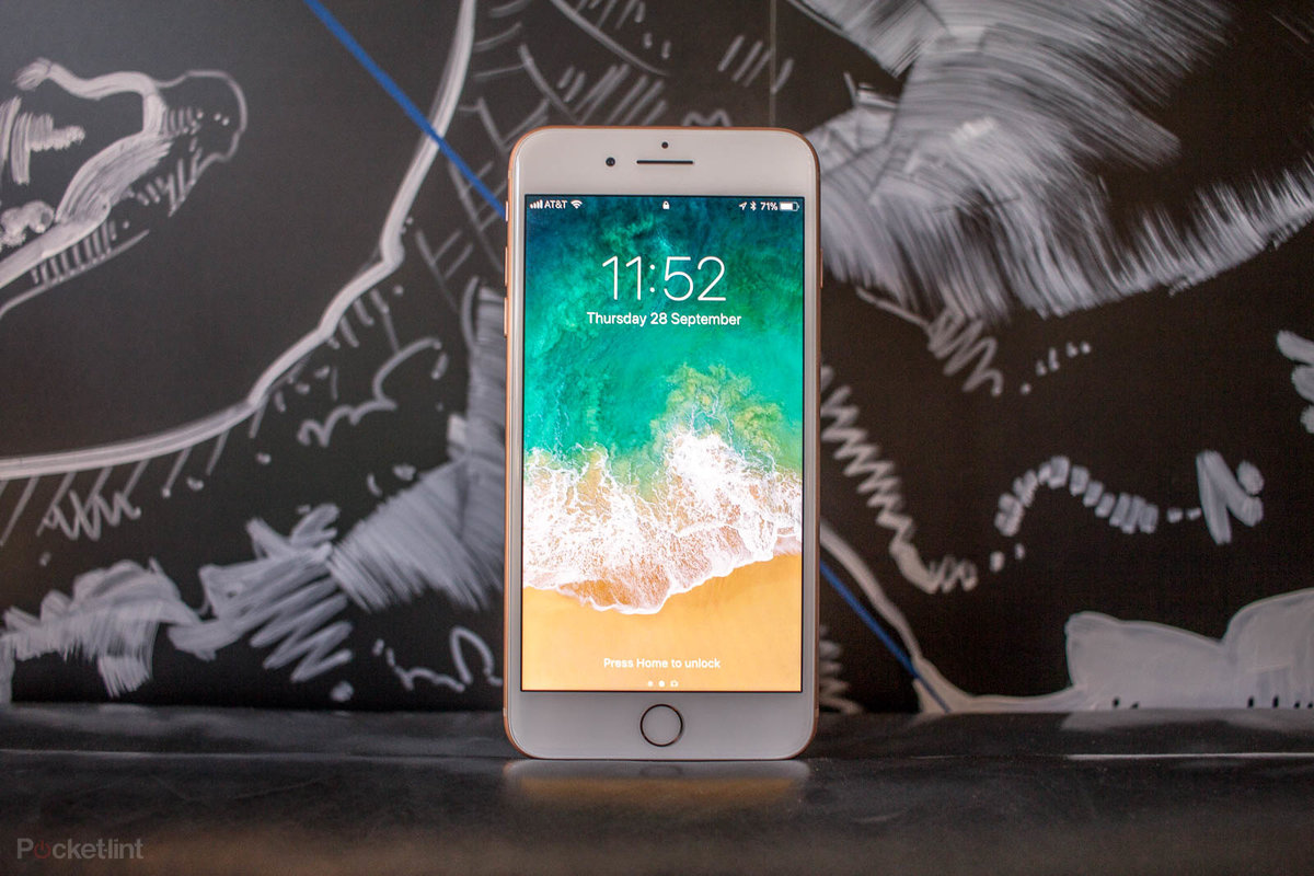 The new iPhone SE 2020 is coming to a ...