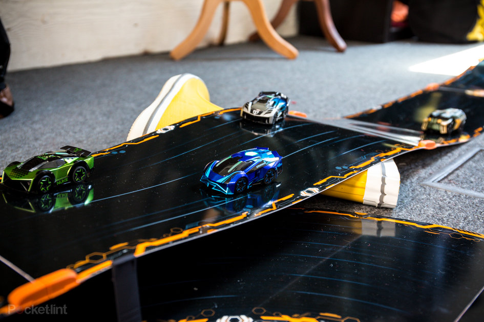 anki overdrive review app controlled car racing fun for all th. Black Bedroom Furniture Sets. Home Design Ideas