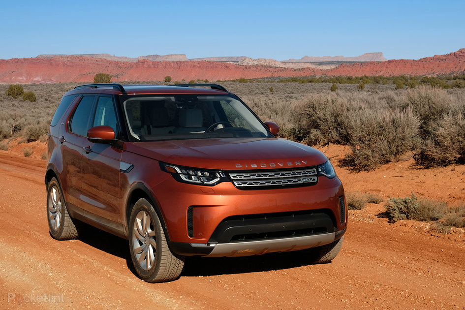 land rover discovery 2017 review the best 7 seat suv money can buy pocket lint. Black Bedroom Furniture Sets. Home Design Ideas