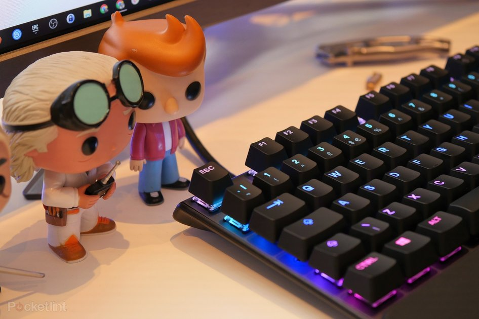 best gaming keyboards top quiet loud and rgb mechanical keybo. Black Bedroom Furniture Sets. Home Design Ideas