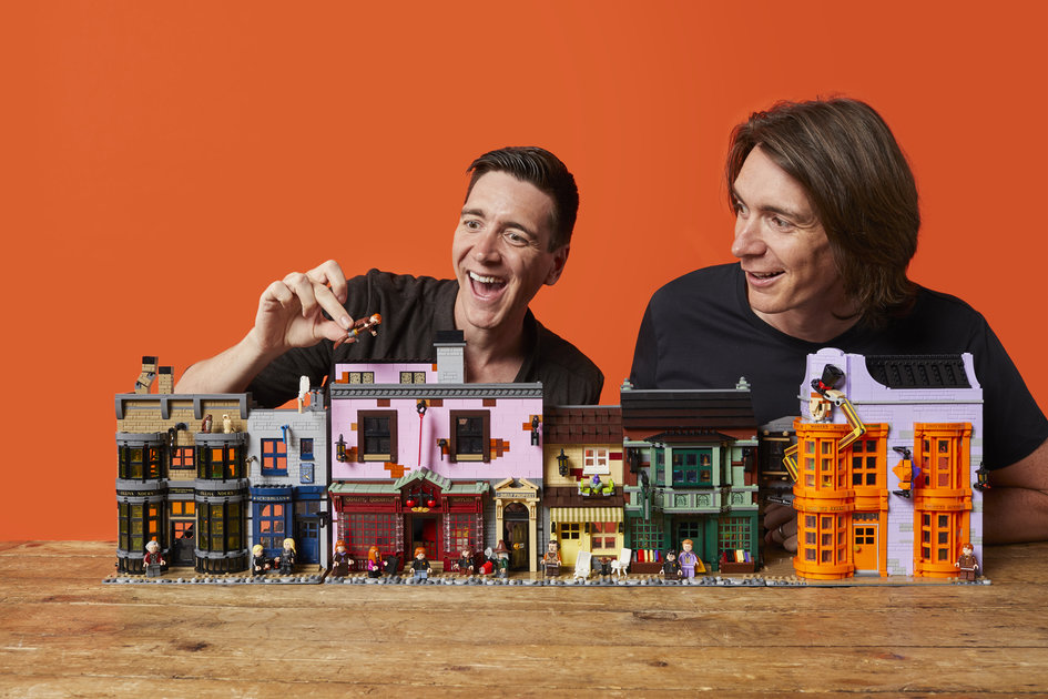 Harry Potter Diagon Alley Lego set comes with 14 minifigs and over 5500 pieces
