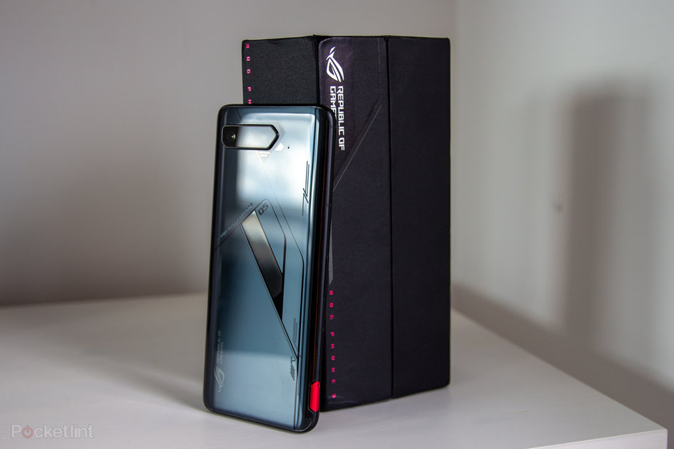 A gaming cellphone with little compromise