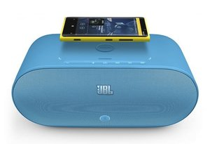 Nokia Lumia 920's pairs up to JBL PowerUp Wireless Charging Speaker with NFC - photo 2