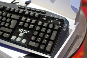 Logitech Windows 8 keyboards: K810, G710+ and washable K310 pictures and hands-on - photo 14