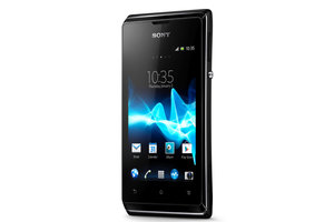 Economical Sony Xperia E: Entry-level Android phone saves cash, data - photo 2