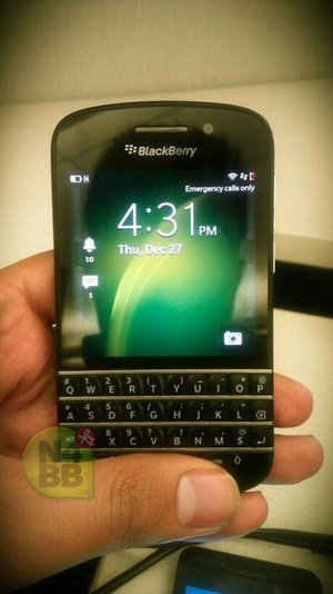 New BlackBerry 10 N-Series (X10) pictures leak, showing off the QWERTY keyboard in full - photo 2