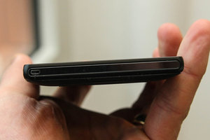 Sony Xperia ZL official, ditches Xperia Z waterproofing and design, we go hands-on - photo 5