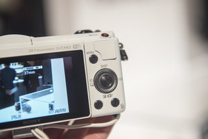 Hands-on: Sony Alpha A5000 is small yet mighty - photo 7