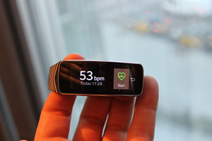 Hands-on: Samsung Gear Fit review - photo 11