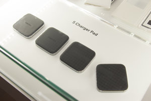 Samsung Galaxy S5 accessories: First look at S Charger Pad, S View Cover, more - photo 4