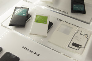 Samsung Galaxy S5 accessories: First look at S Charger Pad, S View Cover, more - photo 5