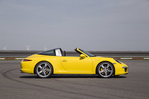 Porsche 911 Targa 4 review: A modernised blast from the past - photo 6