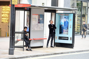 Get free Walkers crisps for tweets from bus stop vending machines - photo 5