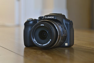 Panasonic Lumix FZ200 review - photo 1