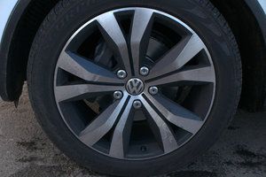VW Touareg 3.0 TDI with Dynaudio sound system  review - photo 12