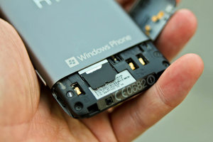 HTC Radar SIM compartment