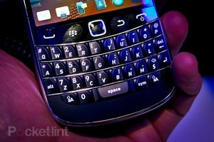 BlackBerry Bold guitar like keyboard