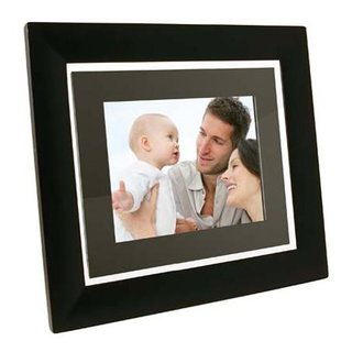 "Pandigital launches ""thinnest ever"" digi frame"