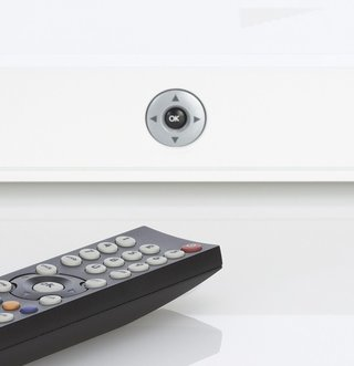 UK's first internet-connected Freeview HD set-top box announced