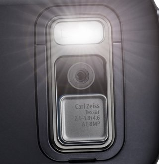 20-megapixel, 1080p-capable cameraphones due in 2011