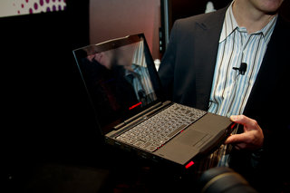 Dell Alienware M11x takes gaming on the road
