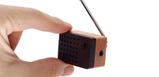 Motz introduces tiny wooden FM radio
