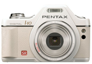 Pentax Optio I-10 looks like a DSLR, forgets DSLR specs