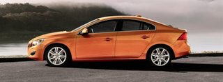 VIDEO: Volvo S60 promises to stop you running people over