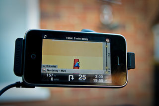 TomTom HDTraffic drives onto iPhone app