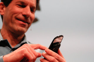 """Palm CEO writes """"survival"""" letter to employees"""
