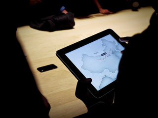 US embraces iPad as anaylsts quote 700,000 day one sales