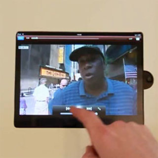 VIDEO: iPad fan pimps-up kitchen