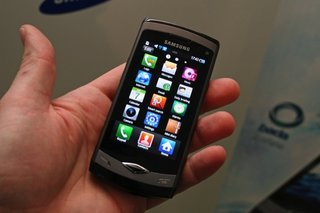 Vodafone nabs Samsung's Wave and Galaxy S handsets