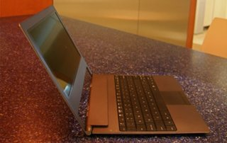 Intel introduces the world's thinnest netbook processor