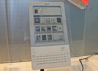 Acer LumiRead L-600 meets Amazon Kindle head-on - first look