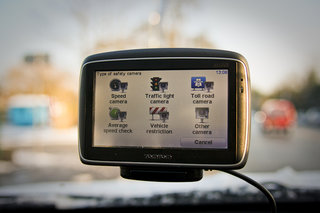 TomTom cuts the cost of LIVE