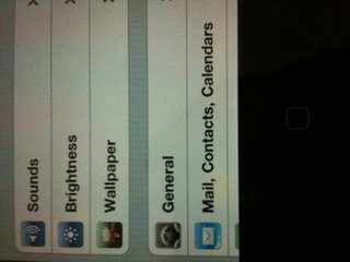 iPhone 4 technical problems start to emerge